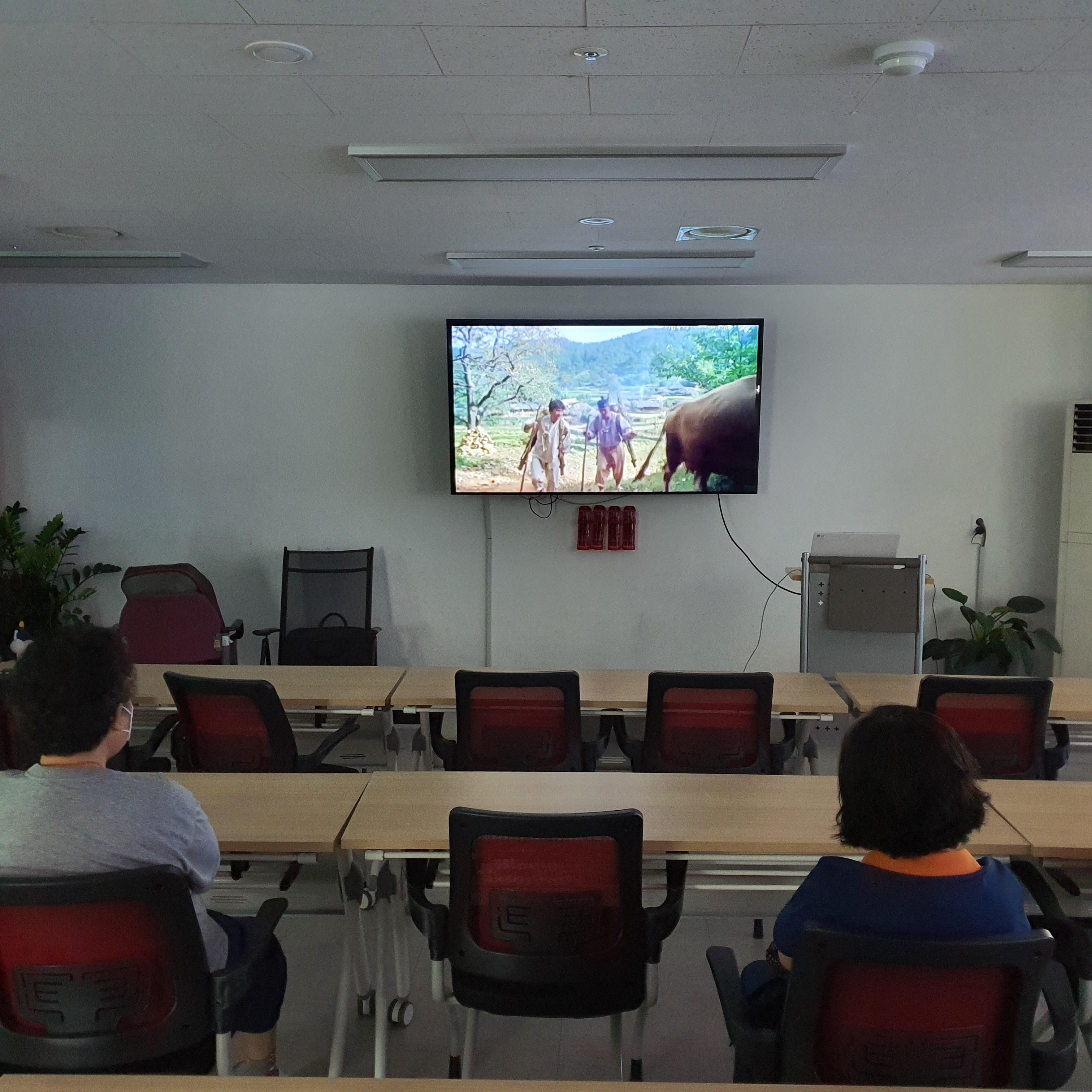 [맞춤돌봄] 8월 만리재영화관 2회 진행