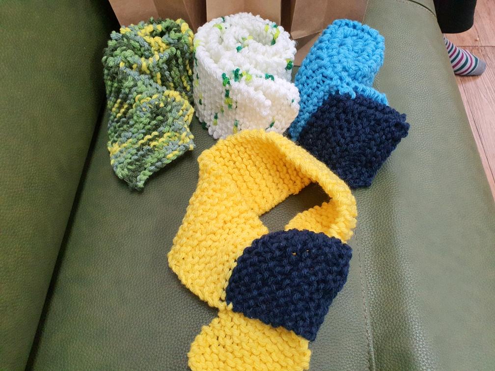 [데이] 뜨개질 '목도리 만들기'